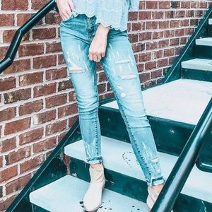 Mid rise KanCan distressed jeans